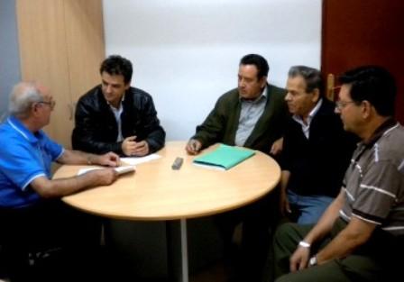 Javier Fernández Ajenjo, reunido con la Junta Directiva de El Porvenir
