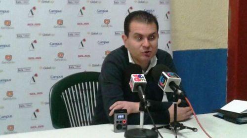 Rafael Sanz, nuevo entrenador que debutó en casa con una amplia victoria