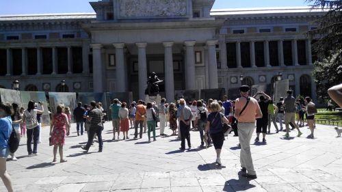 Museo del Prado Borrando las Meninas en Madrid