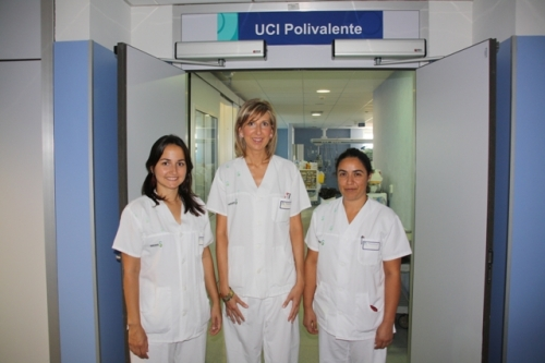 Enfermeras de la UCI de Alcázar premiadas