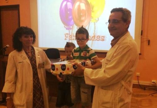 Niño ganador concurso dibujos Greco Mancha Centro