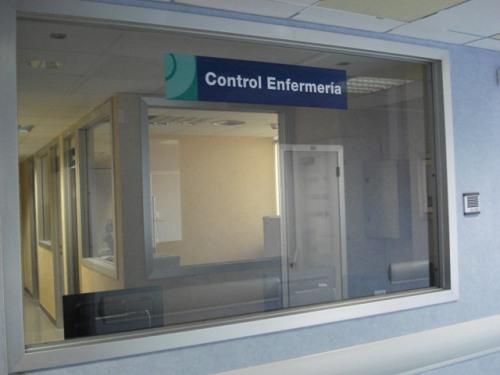 Control de enfermería acristalado Unidad Hospitalización Breve