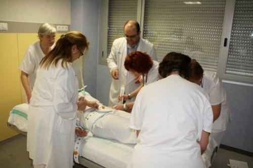 Celadoras participan en taller inmovilización terapéutica