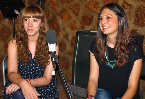 Bárbara Gutiérrez y Noemí Escribano en los Estudios Tiramillas de Alcázar de San Juan (FOTO: Jesús Villajos)
