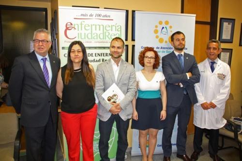 Ganadores del primer premio junto a organizadores y patrocinadores