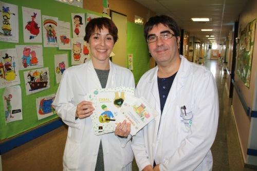 Supervisora Pediatría y subdirector enfermería con cuentos