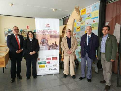 Foto participantes Mesa Redonda